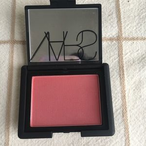 Nars blush in amour